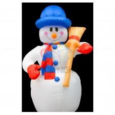 """3D фигура надувная """"Снеговик с метлой"""", размер 240 см, внутренняя подсветка 5 ламп, компрессор с адаптером 12В, IP 44 (IFN070240-D) NEON-NIGHT"""